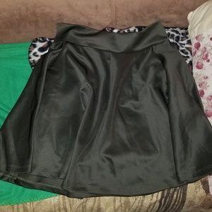 Dresses & Skirts - Green Skater Skirt